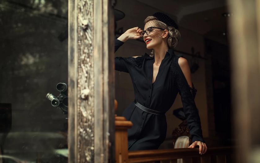 Как носить черные платья?